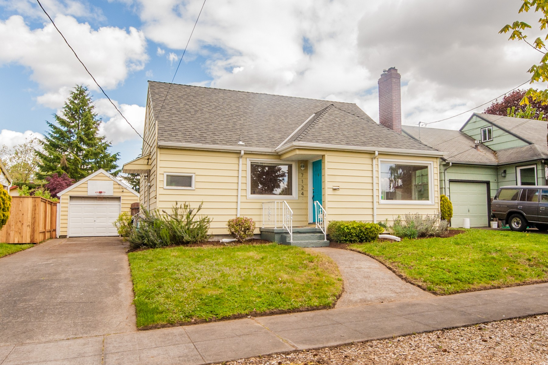 7124 N Campbell-1