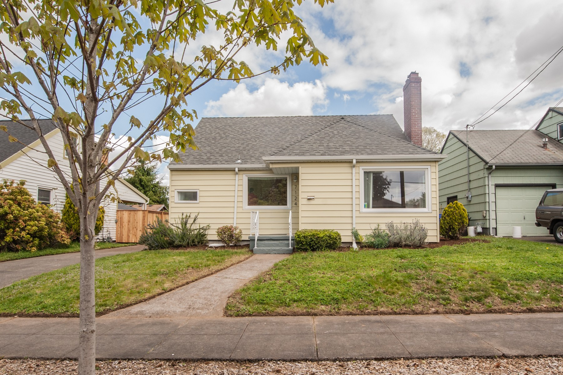 7124 N Campbell-2