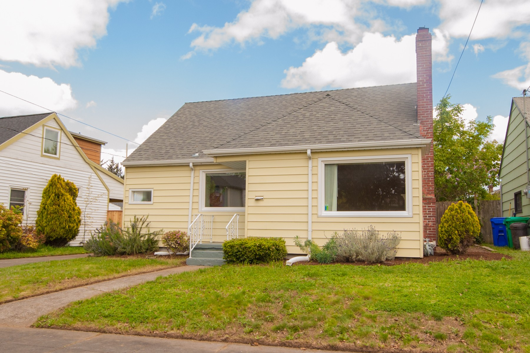 7124 N Campbell-3