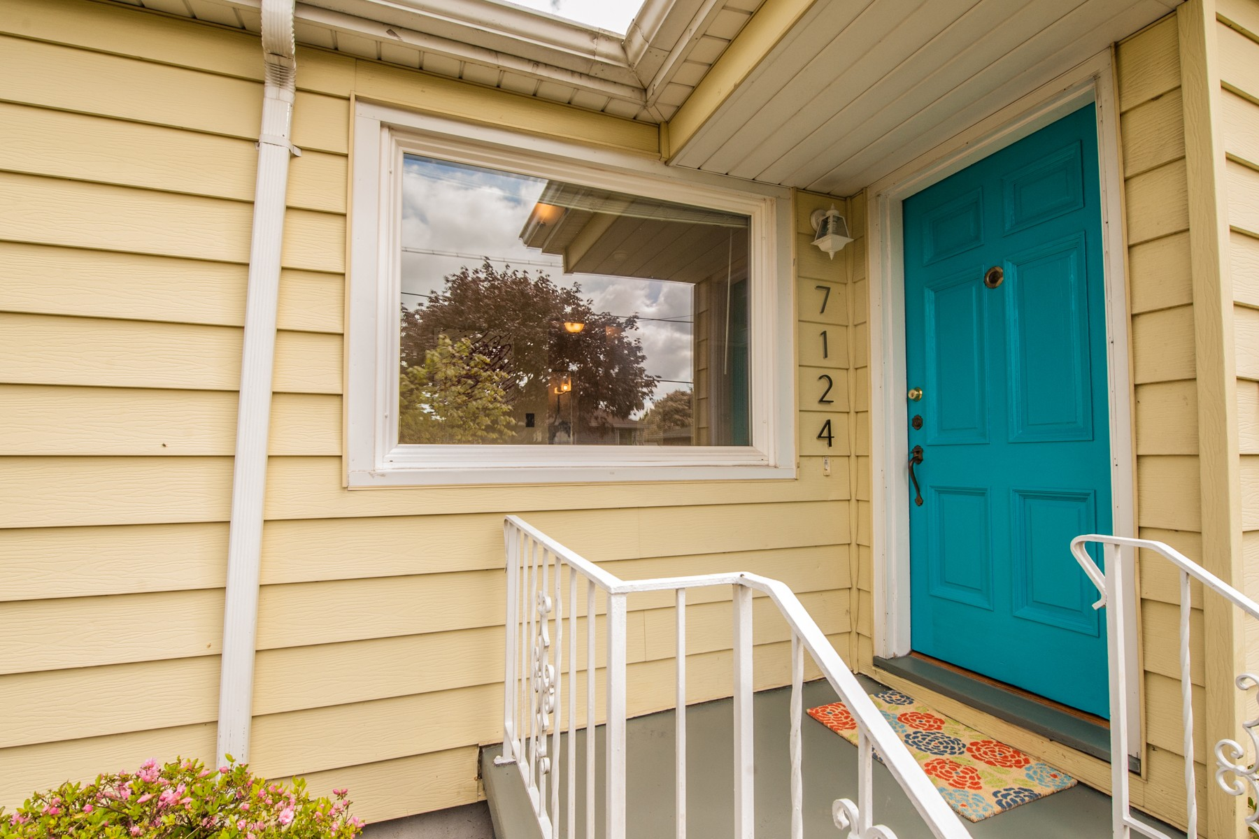 7124 N Campbell-4