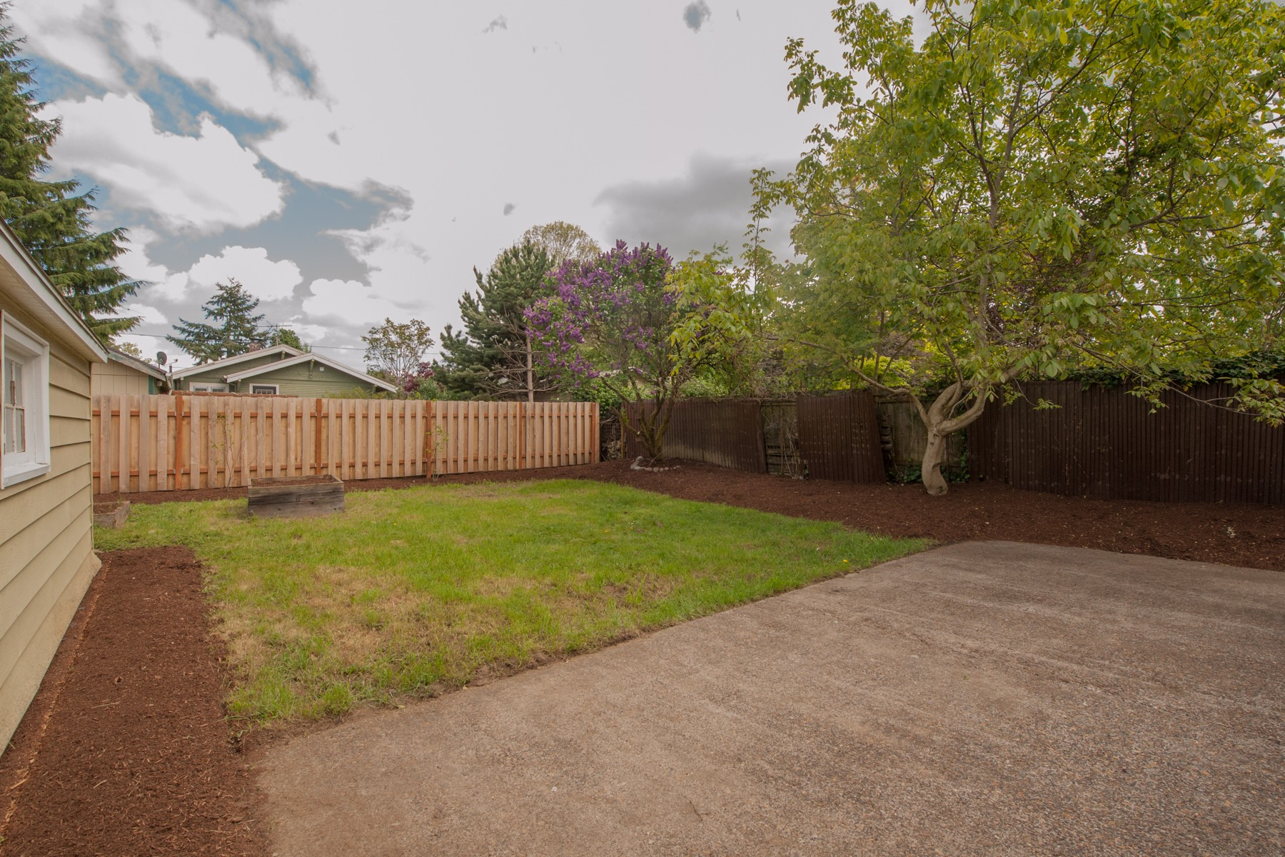 7124 N Campbell-6