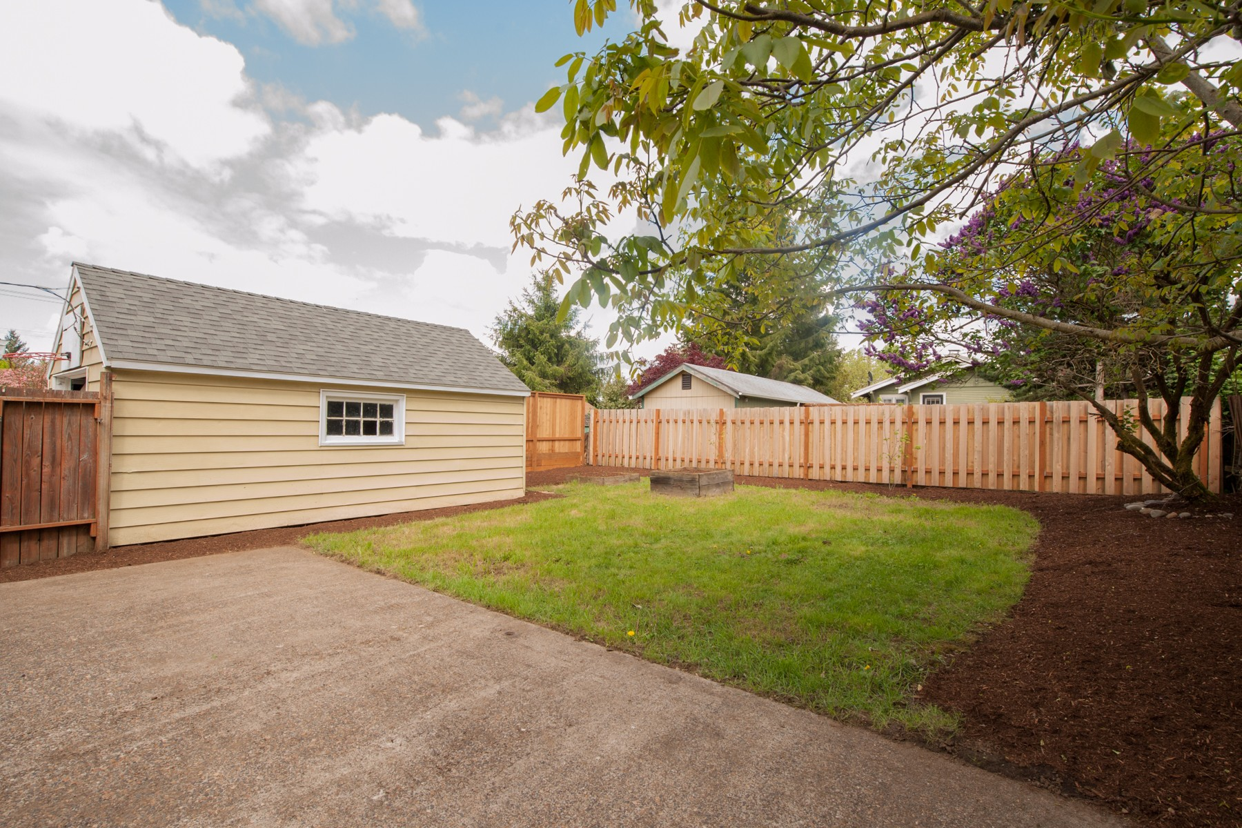 7124 N Campbell-7
