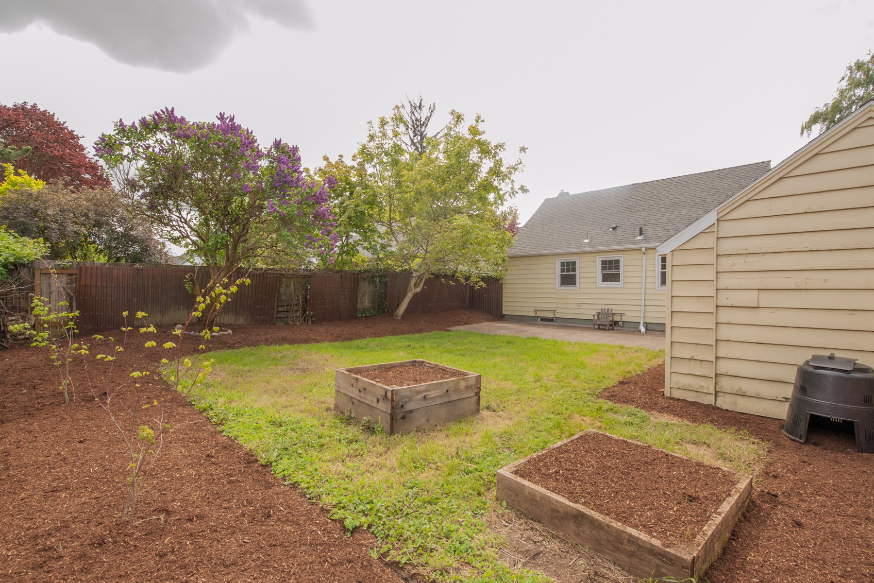 7124 N Campbell-8
